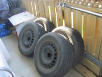 4 ALL SEASONAL TIRES WITH RIMS