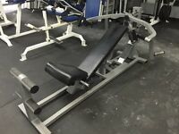Appareil Bench Press a poids libres / Plate-loaded bench press