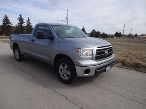 2013 TOYOTA TUNDRA SR5 5,700 KMS TRUCK IN BRAND NEW CONDITION