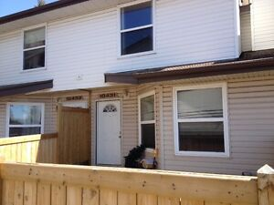 3 bedrooms townhouse -10431  24 Ave - available immediately