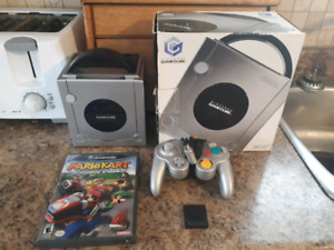 Limited Edition Nintendo Game Cube + Original Box + Mario Kart!