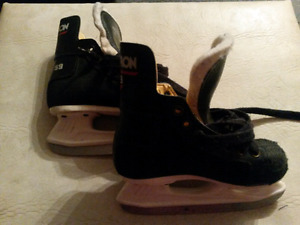 Sz 7 childrens skates