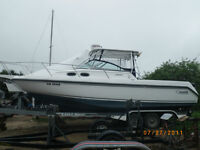 30.6 ft  Boston Whaler 285 Conquest Like New Condition Low hrs