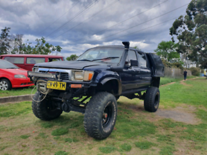 "Toyota Hilux 6"" Lift 4x4 35s 3.8L Manual Swap / Trade"
