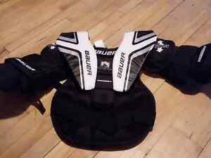 Youth l/xl goalie chest protector