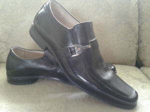 Mens Classy Stacy Adams dress shoes.  Size 9.5