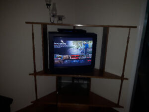 """32"""" Hitachi TVwith amazing picture, oak cabinet and DVD player"""