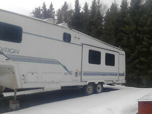 Snow bird fifth wheel with slide $6500 obo