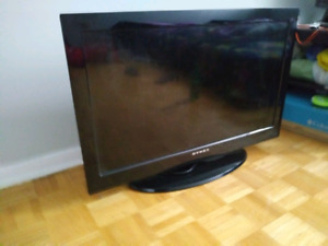 Dynex 32inch hd lcd tv with remote