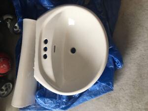 Hardly Used Pedestal Sink