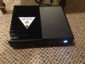 Xbox one with kinect, several games, and a controller Windsor Region Ontario image 1