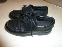 Boys Youth Size 4 Dress Shoes