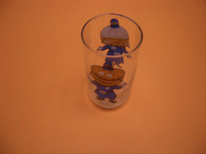 COLLECTIBLE GLASSES FOR SALE MUPPETS, FANTASIA, WWF, ANNIE London Ontario image 7