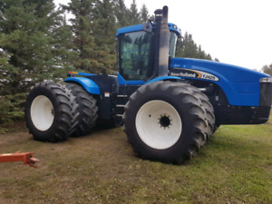 New Holland TJ 425 (PRICE REDUCED)