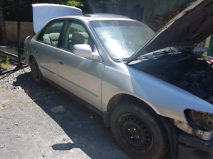 Honda Accord FOR PARTS