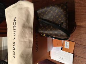 LV women's bag with receipt 10/10 pick up in Guelph, price firm