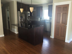Lakeview, Upstairs Suite or entire house UTILITIES INCLUDED