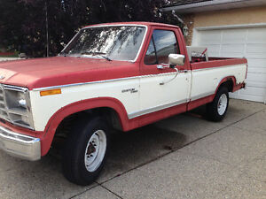 Classic Ford F250 - Low 48,000 KM!!!