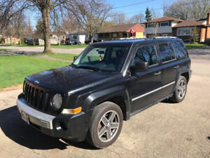 Jeep Patriot - Leather Interior - 2009