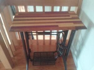 Table d'appoint bois exotique
