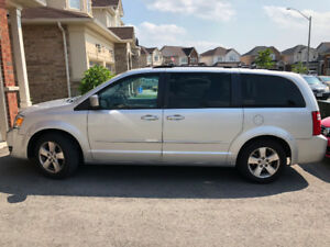 2009 Dodge Grand Caravan s/ Snow Tires & Wheels