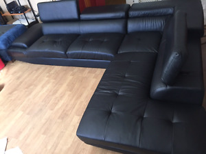 1400.00 dollar leather sectional