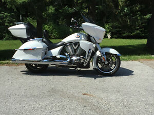 PRICE REDUCED!!! 2012 VICTORY CROSS COUNTRY TOUR