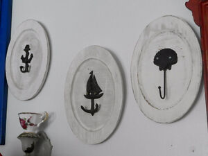 new price! Set of 3 nautical hangers - Wood and cast iron