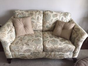 2 Couches (loveseats)