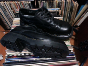 REDUCED! Docs Dr. Martens chunky sole, size 7 England