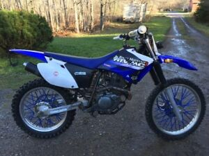Yamaha tt-r 230 dirt bike