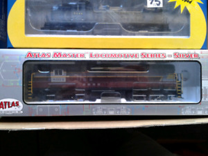 4 DCC equipped HO model train engines/locomotives