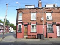 2 bedroom house in Compton View, Harehills, LS9