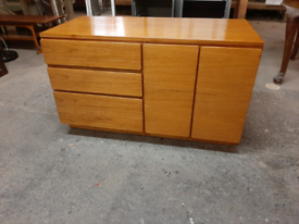 Retro Teak Sideboard / Media Unit Good Condition Delivery Available na