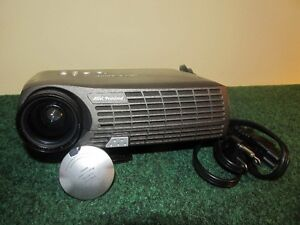 DLP PROJECTOR HOME THEATER OR PRESENTATIONS Peterborough Peterborough Area image 1