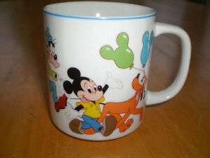DISNEY MICKEY,MINNIE,DONALD,GOOFY,PLUTO MUG