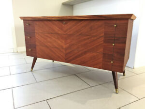 Superbe Coffre En Noyer ** Mid Century ** Stunning Walnut Chest