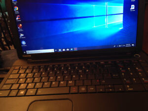 Laptop Toshiba Satellite i3