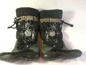 Size 10 toddler Ecco boots
