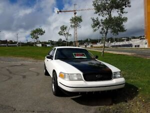 2011 Ford Crown Victoria  P71,   10 L-100 KLM,   28 MPG