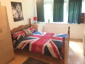 Wonderful double room available in archway just 190 pw no fees 2 weeks deposit