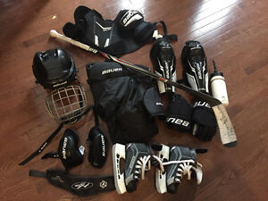 Boy 7-9 complete hockey set(Bauer)