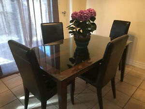 Dining table, plus four free chairs