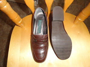 "Leather Brown Shoes ""Naturalizer"" - Size 7 - Like New & Comfy"
