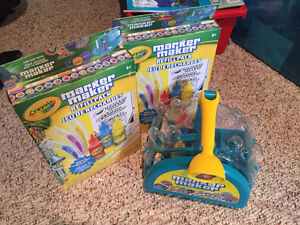 Crayons Marker Maker with 2 Brand New Refills