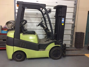 2002 Fork Lift with less than 6000 Hours on it!!! $7500 OBO!!
