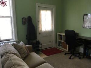 Cozy bachelor style home for short term rent/sublet