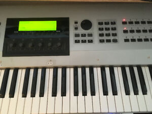 EX5 YAMAHA Synth, 76 keys, 2 mod wheels, perfect condition!