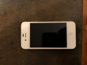 Iphone 4S blanc 16 Gb avec BELL!!! SUPER CONDITION