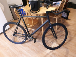 Vélo fixed gear large 57 cm